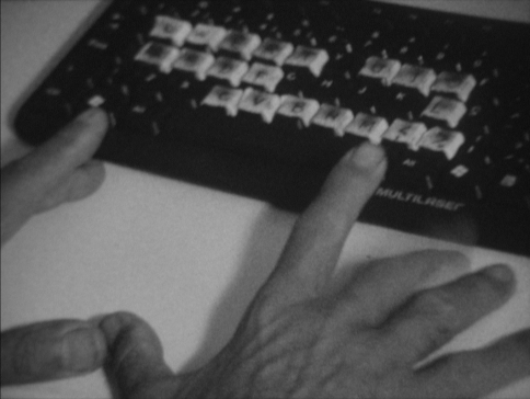 """Fotograma (Still) de """"Chacal: Proibido Fazer Poesia"""". Super *"""