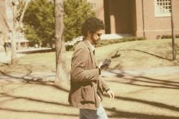 "Rodrigo Lopes de Barros durante filmagens de ""Chacal: Proibido Fazer Poesia"""